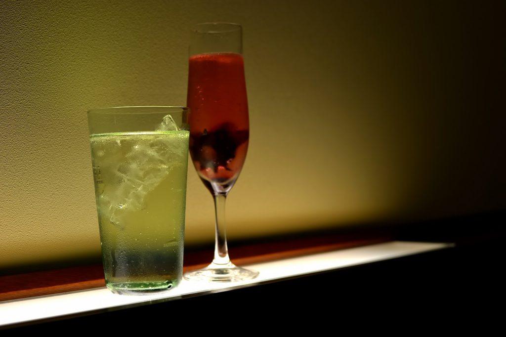 お酒とグラス